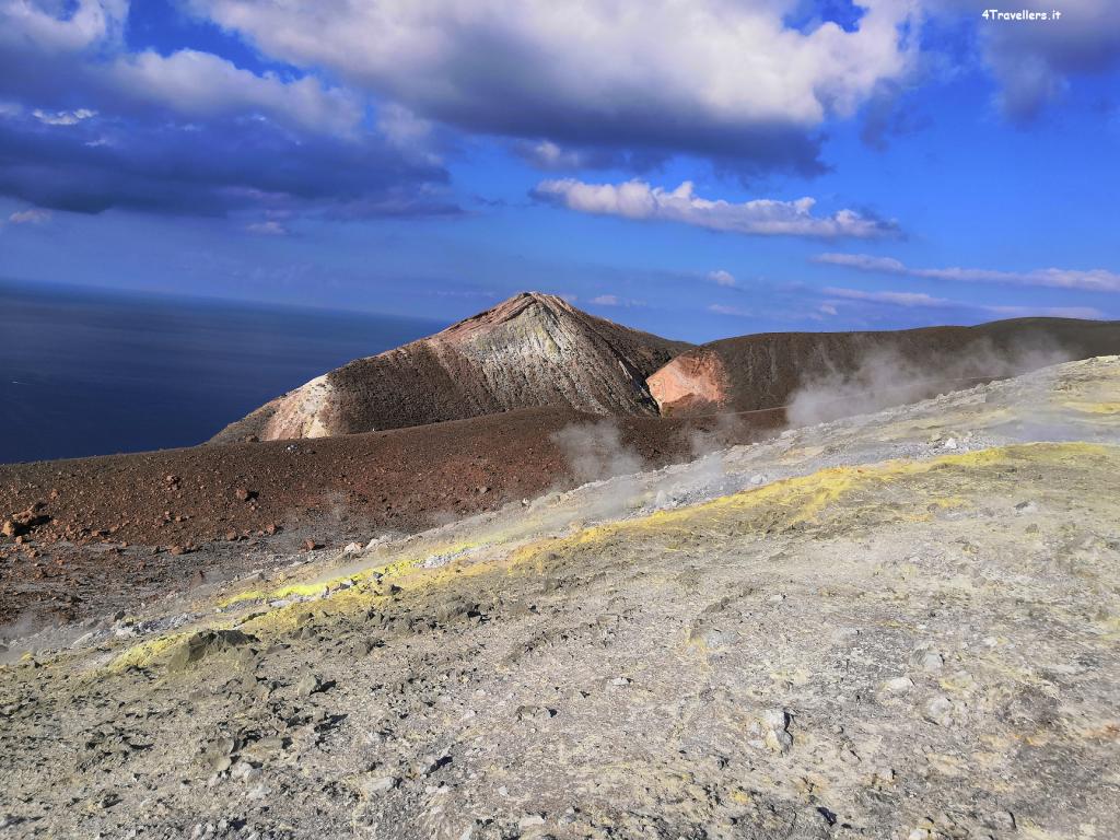 Vulcano - Vista dal cratere
